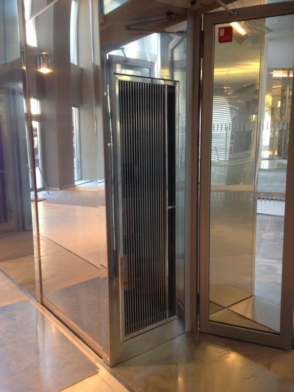 rideau d 39 air chaud eau chaude vertical encastrable 1 5m teddington hx1500wrv teddington. Black Bedroom Furniture Sets. Home Design Ideas